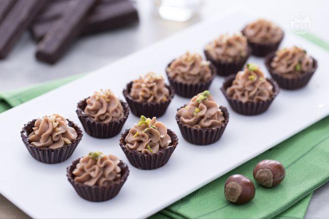 Ricetta Cioccolatini al fondente con crema di mascarpone - Le Ricette di GialloZafferano.it
