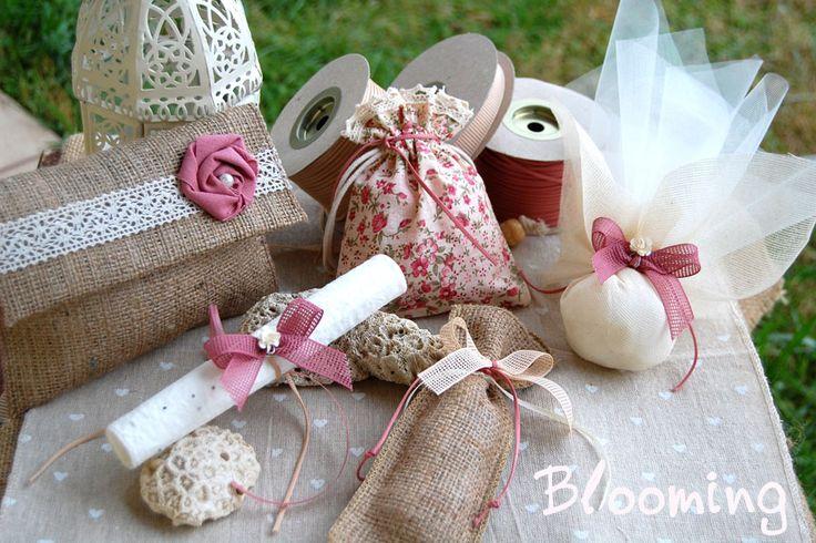 Εικόνα από http://blooming.com.gr/images/stories/virtuemart/product/bobonieres-prosklitiria-gamou2.jpg.