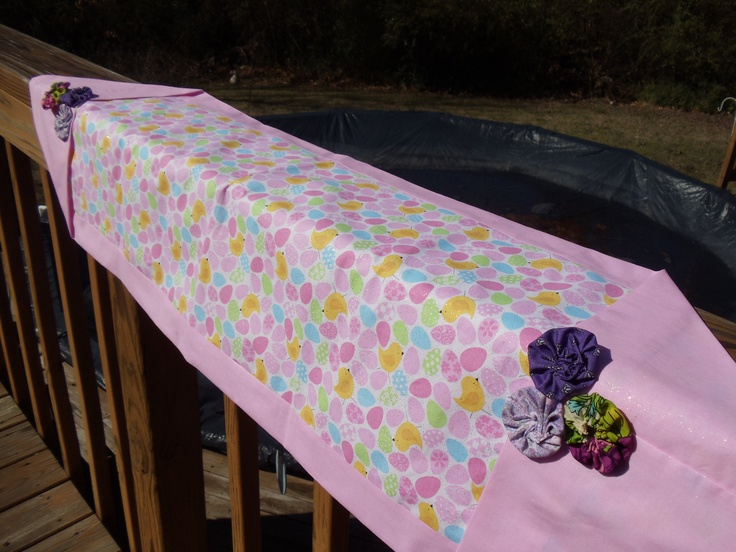 My 10 minute easter table runner my crafts pinterest for 10 min table runner