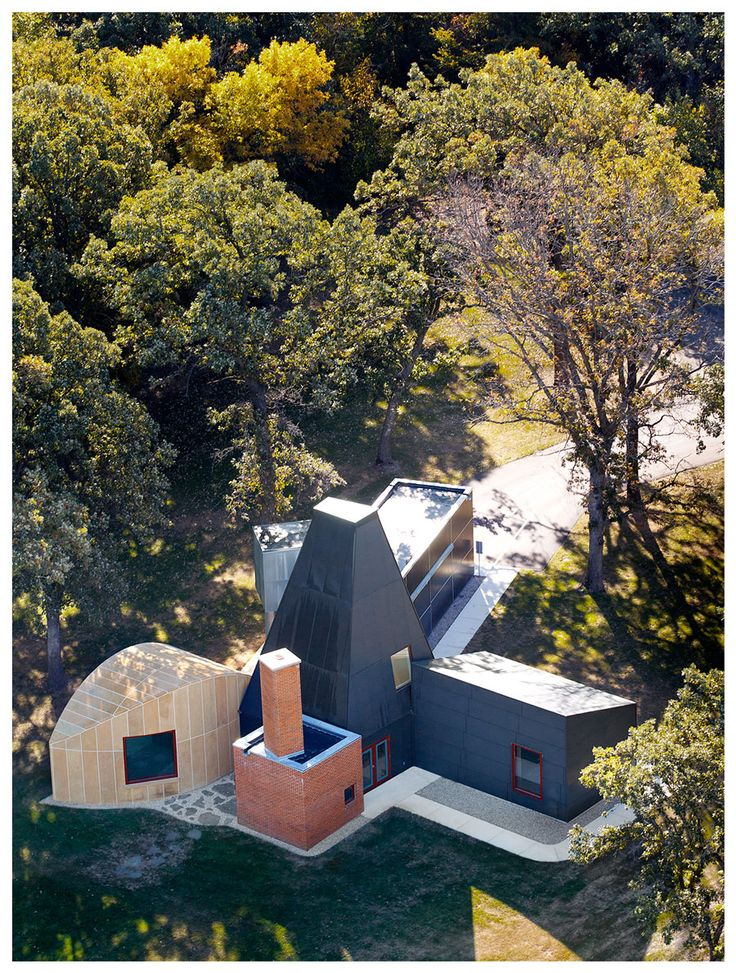 how I wish I had $1,000,000 to buy this house up for auction in May // Frank Gehry's Winton Guest House | Wright