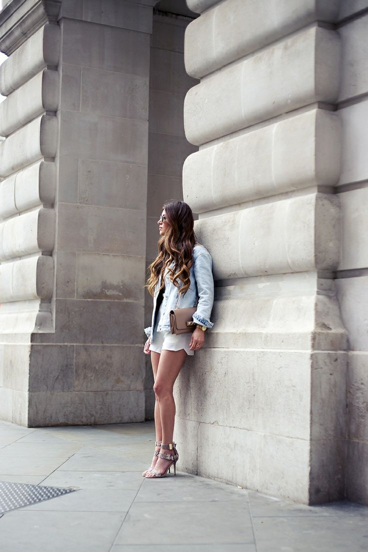 London-look: Nudes & Light-Denim | Negin Mirsalehi