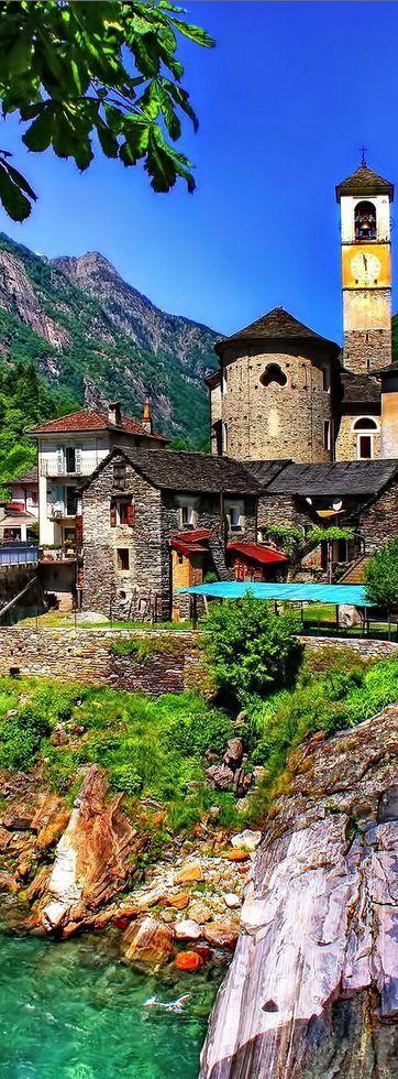 Lavertezzo, Ticino, Suiza / Lavetezzo es una comuna suiza del cantón del Tesino, situada en el distrito de Locarno, círculo de Verzasca