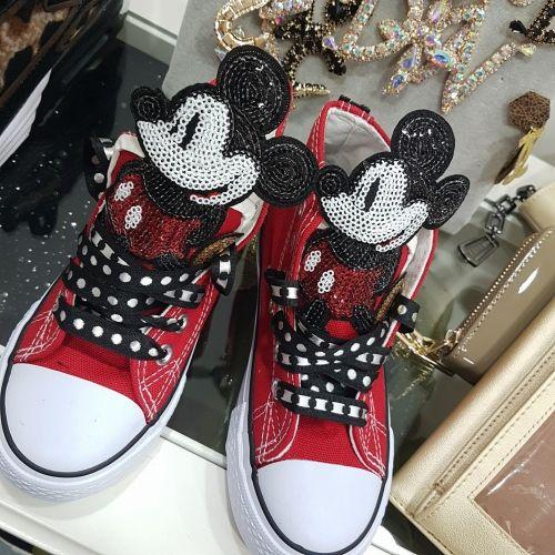 Χειροποίητα παιδικά αθλητικά τύπου all star στολισμένα με μοτιφ Μικυ απο παγέτες  http://handmadecollectionqueens.com/παιδικα-αθλητικα-τυπου-all-star-στολισμενα-με-μοτιφ-μικυ  #handmade #fashion #kid #sneakers #storiesforqueens #footwear #παιδικα #παπουτσια #αθλητικα