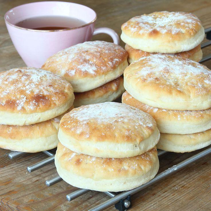 Lindas Hembakade Tekakor - Oerhört saftiga, goda matbröd som gör frukosten till dagens godaste måltid!