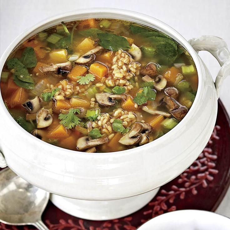 Soupe à l'orge, aux légumes et au cari