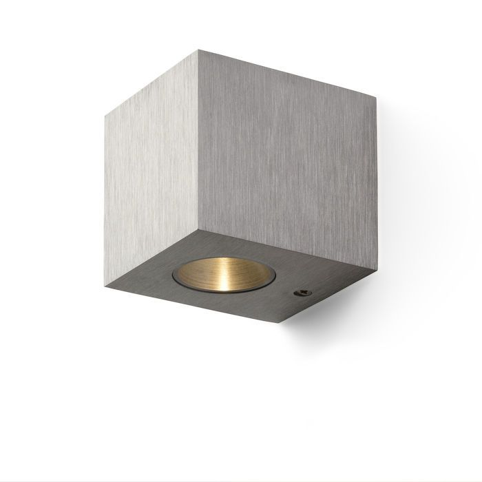 ADVANTAGE I | rendl light studio | Unidirectional cubical LED wall light in aluminum. #lighting #design #LED #wall
