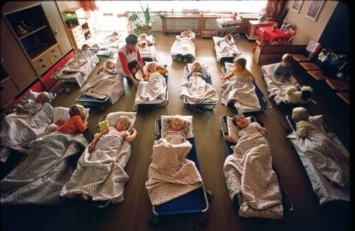 Takto sa spávalo v škôlke/this how we used to sleep in the kindergarten ..