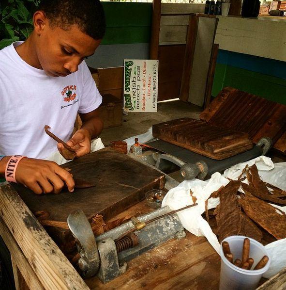 Til dig som er interesserer i cigarer, kan vi fortælle, at Den Dominikanske Republik er blandt de største producenter. Her finder du håndlavede cigarer, i alle størrelser og varianter! www.apollorejser.dk/rejser/nord-og-central-amerika/den-dominikanske-republik