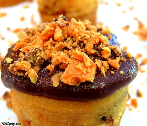 Mini Peanut Butter-Finger Cheesecakes with a vanilla wafer crust