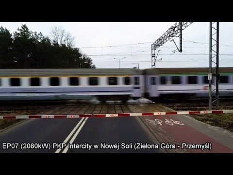 Fast Polish electric locomotive EP07 with passenger express on the route Zielona Gora - Przemysl - YouTube