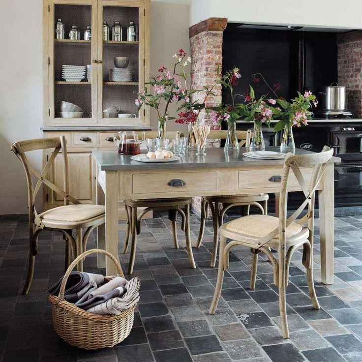 tomettes grises sol mobilier bois rustique cuisine Ceramiques du Beaujolais