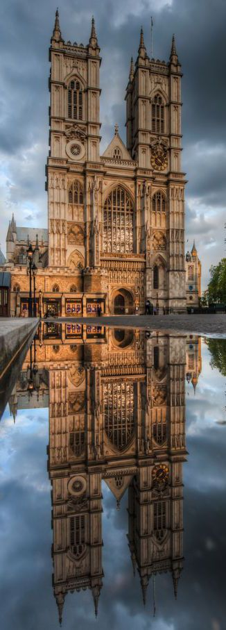 Westminster Abbey, London, England - http://www.londonvacationsguide.com/