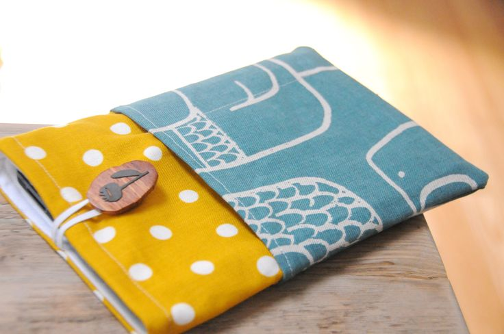 A Simple Kindle Fire Slip Case  •  Free tutorial with pictures on how to make a pda in under 45 minutes
