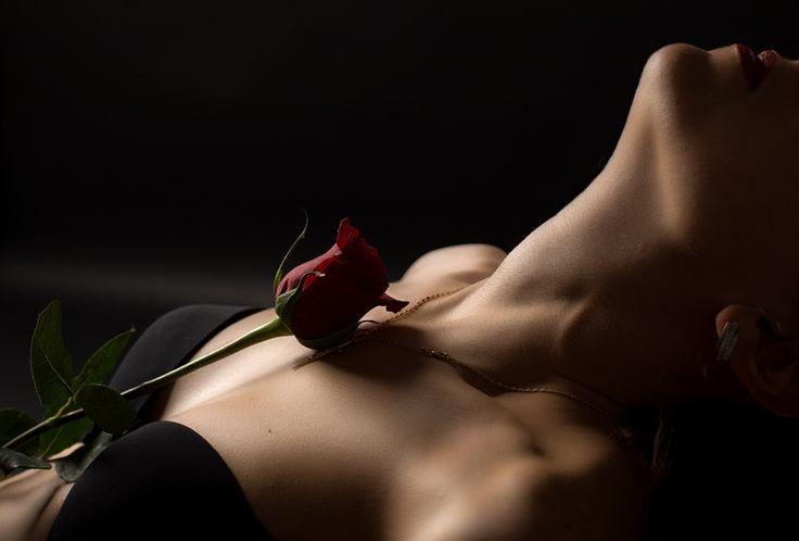 Significa che, se vuoi conquistarlo, è utile che tu sappia come comunicare e come impostare la relazione con lui, evitando di mettere in campo proprio quelle strategie istintive che tutte le donne usano e che non solo non sono utili, ma sono molto dannose. #conquistare #amore #riconquistare #sposato #sposata #donna #uomo #seduzione #innamorato #innamorarsi #corteggiare #corteggiamento