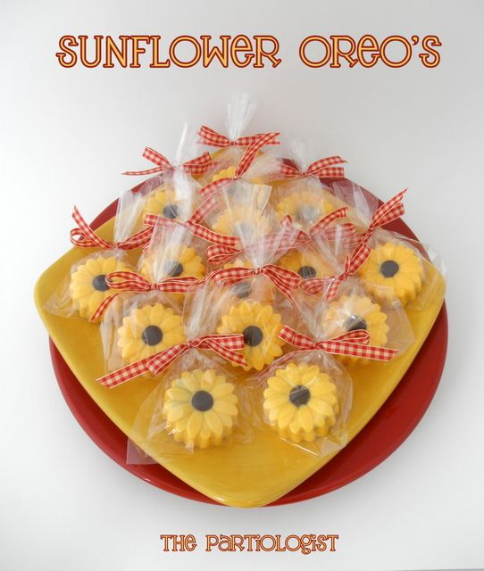Chocolate Oreos at a Sunflower Party #sunflower #oreos