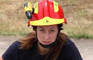 Esta foto de una mujer bombero que combatía gigantesco incendio está dando mucho de qué hablar | Argentina