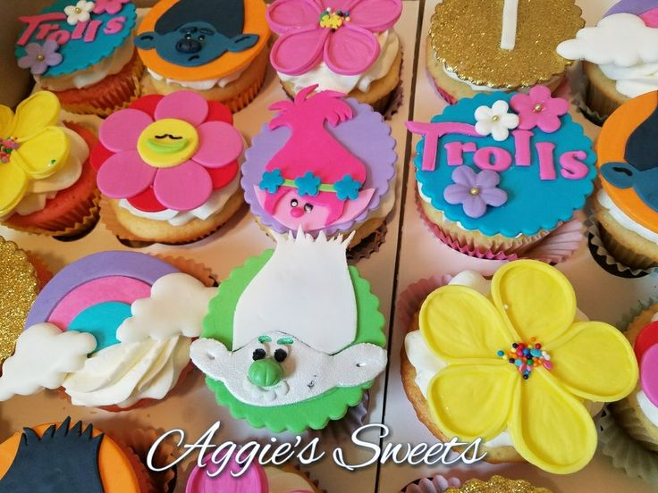 Trolls themed cupcakes