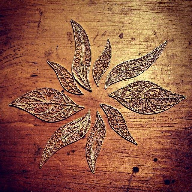 Instagram media by silverfiligree - Silver filigree #silver #silverfiligree #filigree #jewelry #jewellery #Macedonia #handmade #earrings #silverearring #brosh #silverbrosh