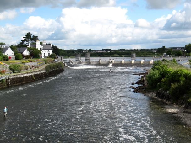 Salmon Weir, Galway More photos at http://www.galwayphotographssite.com  #photographs #Galway #galwayphotographs #irishphotographs