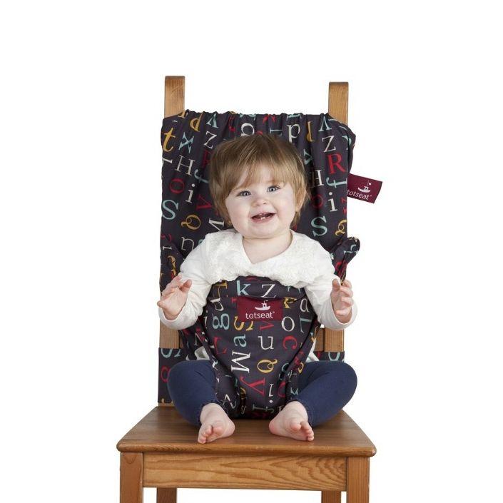 Chaise de voyage très ingénieuse, qui ne prend pas de place et qui se lave: à emporter dans tous les déplacements de bébé.