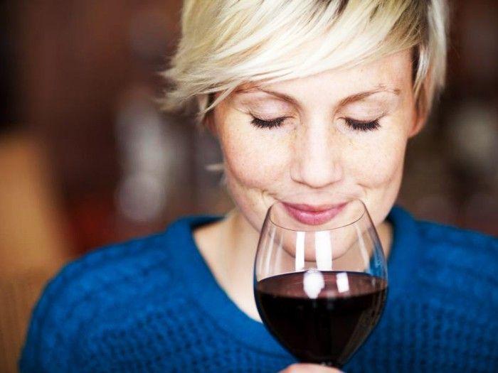 Как только не называют вино: богатое, ласковое, таинственное, божественное. Оно способно сделать теплее и светлее любой осенний холодный вечер. Португальский поэт Фернандо Пессоа отлично сказал: «Жизнь хороша, а...