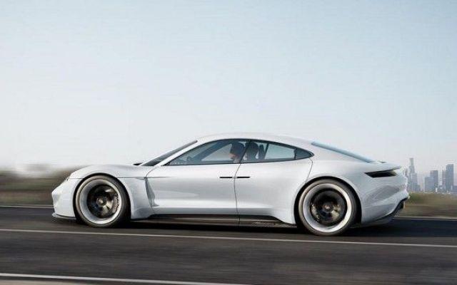 """Anche le Case tedesche iniziano a far sul serio sull'elettrico Dopo che l'azienda californiana Tesla Motors ha annunciato il rilascio della Model 3, berlina 100% elettrica che, secondo diversi analisti, darà il colpo di grazia al mercato delle automobili """"conven #porsche #missione #tesla"""