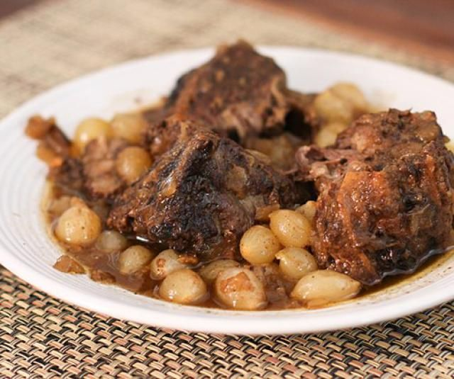 Recipes for Short Ribs From the Slow Cooker, Stovetop, and Oven: Slow Cooker Braised Short Ribs