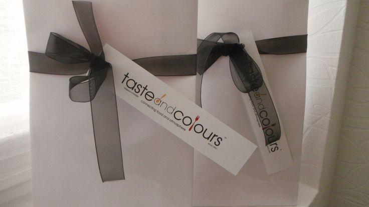 Cadeautip: geschenkbon van Taste and Colours! U bepaalt het bedrag zelf. De bon is geldig voor één activiteit naar keuze. Dit kan zowel voor het restaurant, voor het kookatelier als voor de webshop...