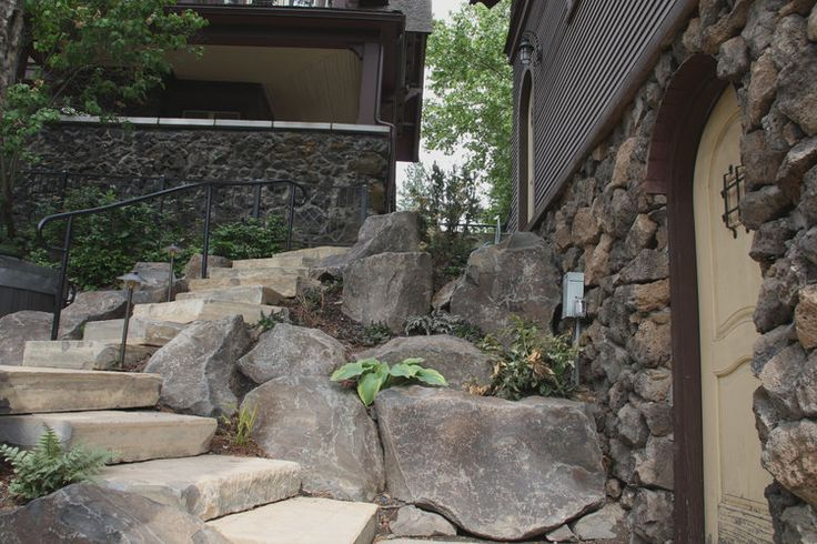 17 best ideas about boulder retaining wall on pinterest for Landscaping rocks kitsap county