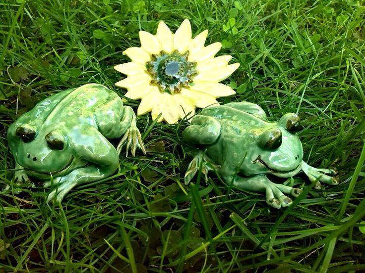 Békák / Frogs  www.mesekeramia.hu  #mesekerámia #kertidísz #béka #ceramicfrog #fairygarden