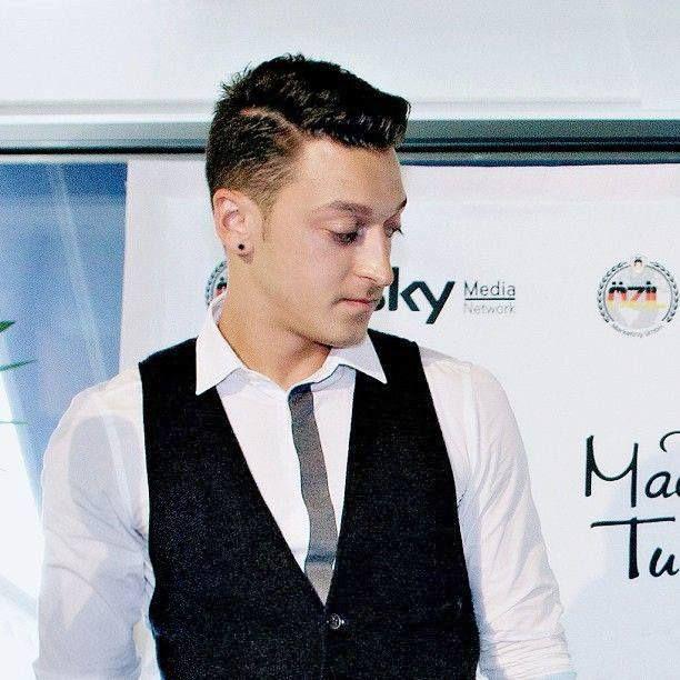 Terrific 1000 Images About Mesut Oezil On Pinterest Jack Wilshere Short Hairstyles Gunalazisus