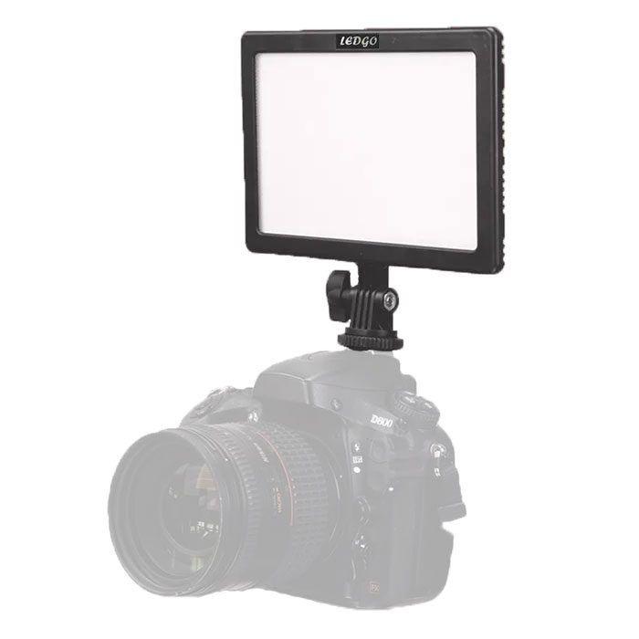In kleurtemperatuur regelbaar on-camera LED-paneel met een lichtopbrengst van 666 Lumen