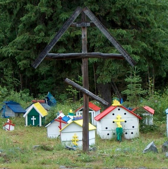 Burlal Spirit Houses in Eklutna, Alaska. (Creative Commons)