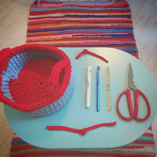 The finished deal + tools of the trade on my new #tigerstores basket <3 #ilovecrochet #tshirtyarn #instacrochet