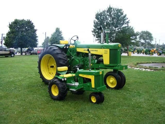 JOHN DEERE 730 DIESEL & 1/4 Scale 730 I always  wanted  one  of  these  's