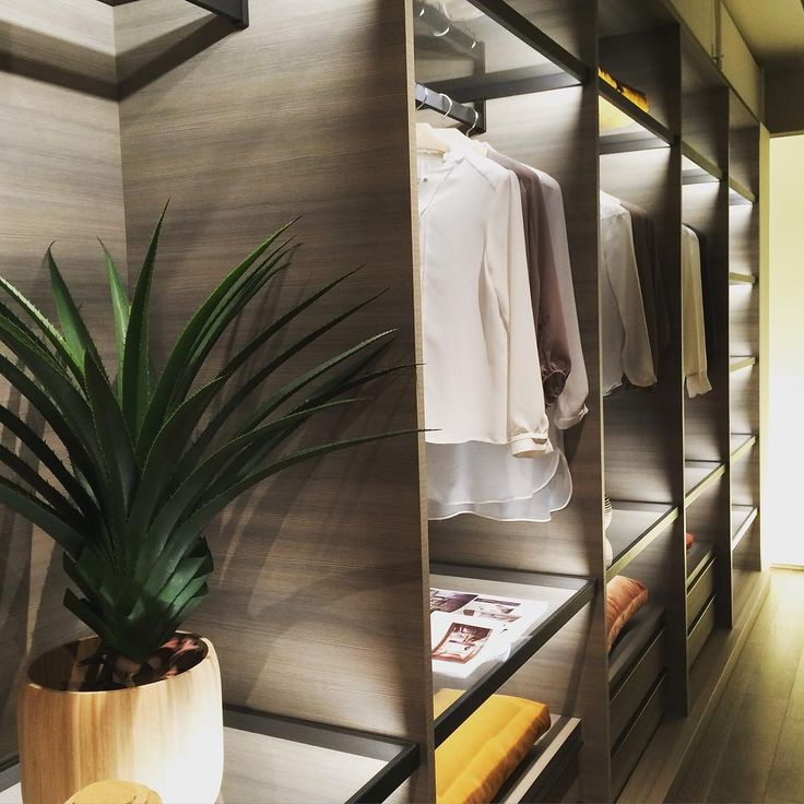 Dressing Room, Closets