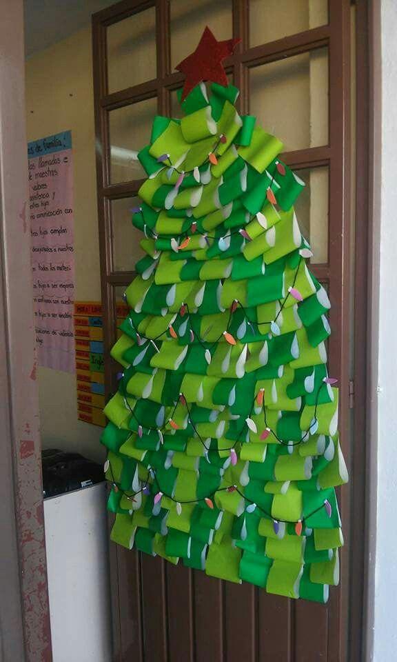 Arbol de navidad para puerta sal n de clases pinterest for Ideas para decorar puertas de salon