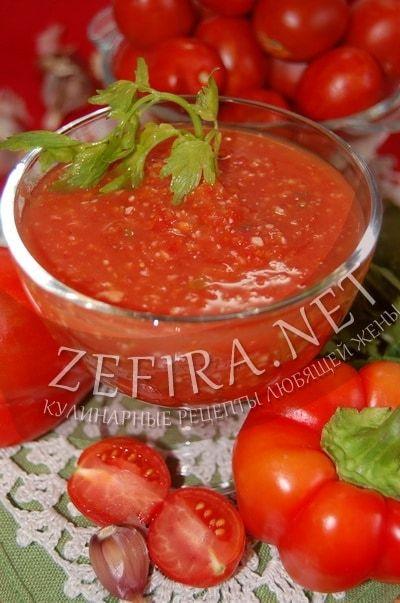 Аджика из помидоров и перца с чесноком - рецепт и фото