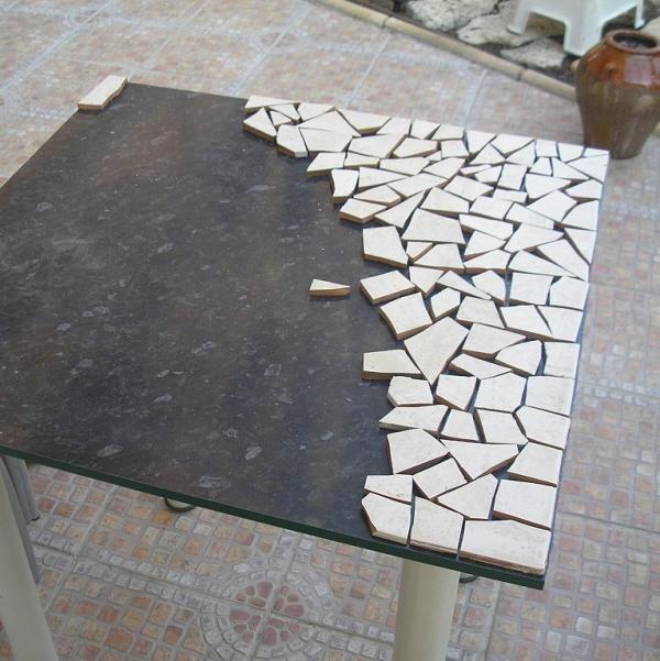 como fazer mosaico de azulejo