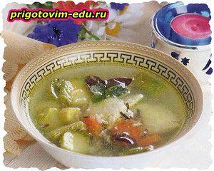 Овощной суп с курицей и диким рисом