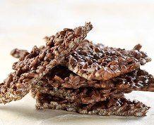 Rice Krispies Chocolate Cereal Bark. Find the recipe at Ricekrispies.ca #chocolate #ricekrispies #treats #britle #3ingredients