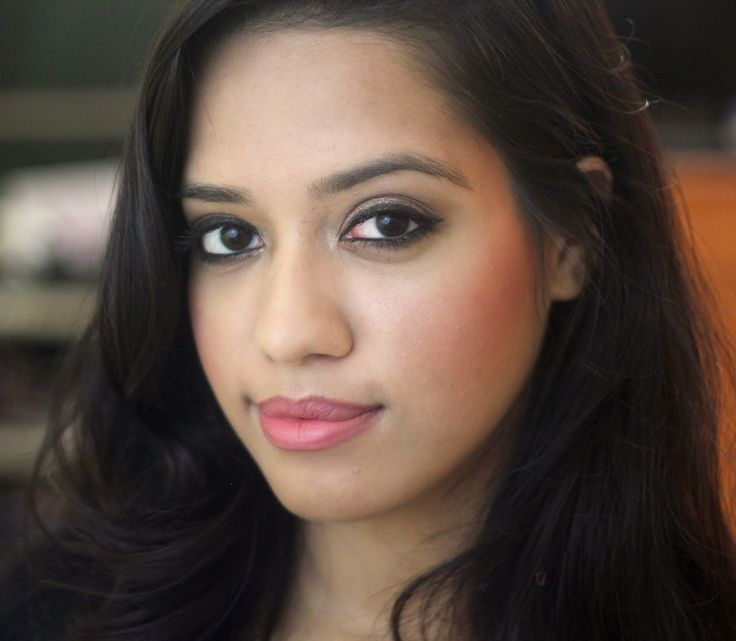 Top 5 Nude  Pale Pink Lipsticks For Indian Skin Tone -1479
