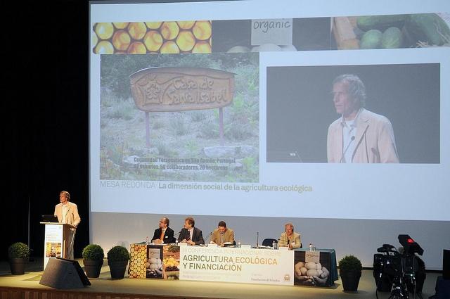 Fundación Triodos - Fritz Wessling, Casa de Santa Isabel, durante su intervención en la mesa redonda: La dimensión social de la agricultura ecológica.