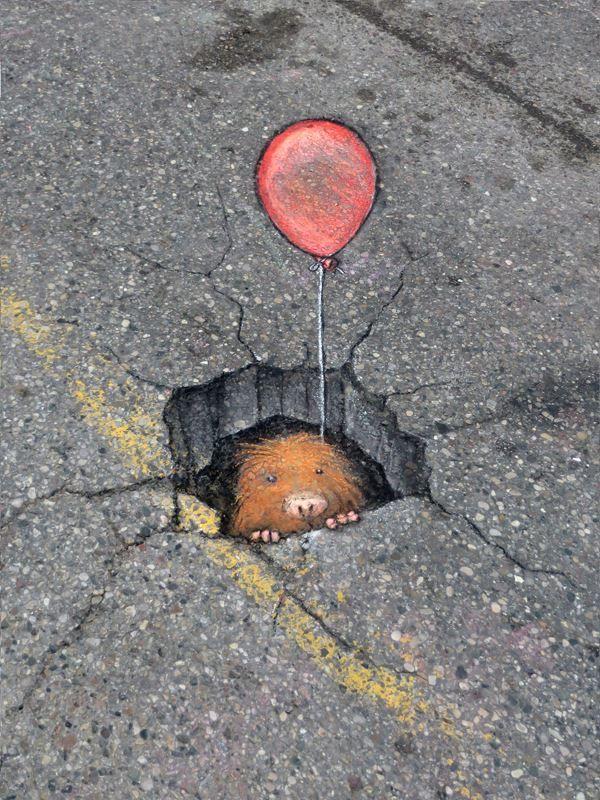 street art by David Zinn http://restreet.altervista.org/le-divertenti-creature-di-david-zinn/