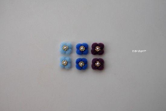 北欧の青い花 ピアス(スタッド・一粒) ハンドメイド通販・販売のCreema