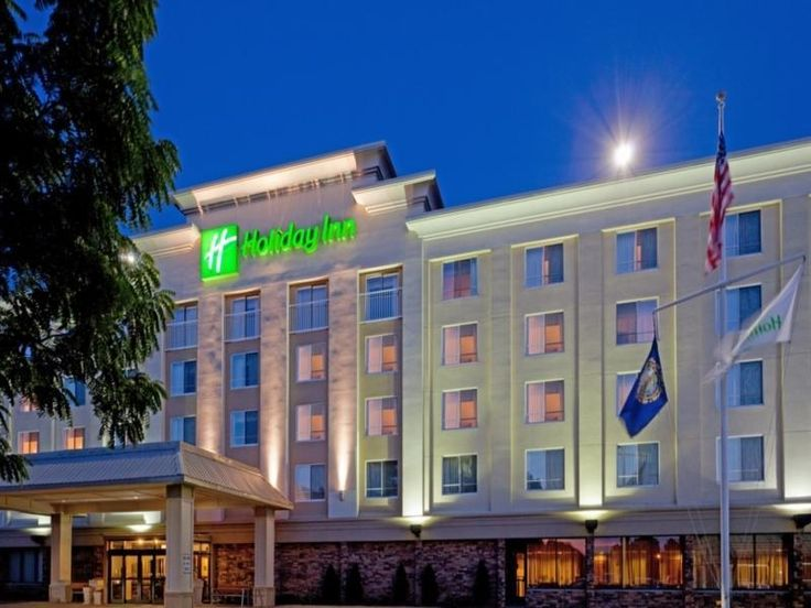 Portsmouth (NH) Holiday Inn Portsmouth United States, North America Set in a prime location of Portsmouth (NH), Holiday Inn Portsmouth Hotel puts everything the city has to offer just outside your doorstep. The hotel offers guests a range of services and amenities designed to provide comfort and convenience. Facilities for disabled guests, Wi-Fi in public areas, car park, room service, airport transfer are on the list of things guests can enjoy. All rooms are designed and deco...