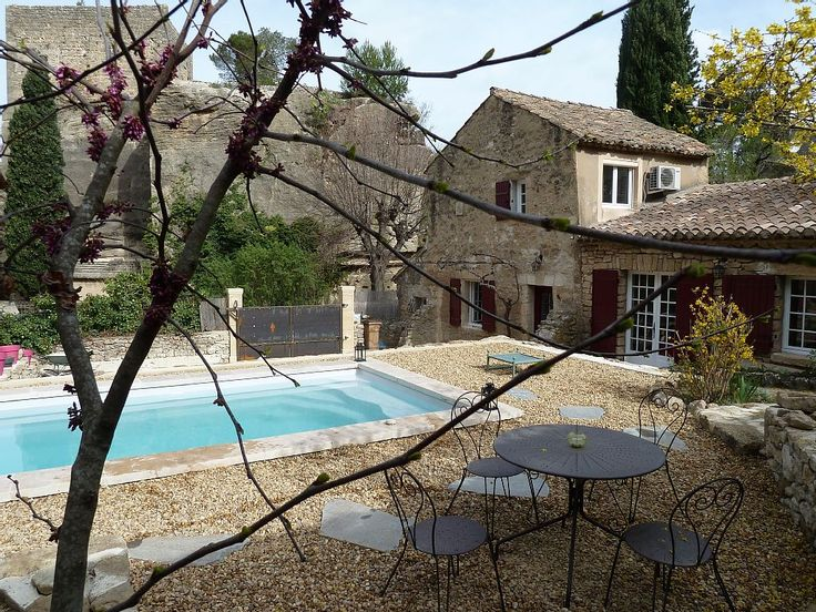 Character Stone Bastidon With Pool In.