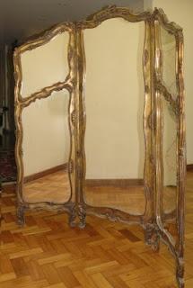 biombo antigo com moldura em madeira dourada torneada e espelhos  medida: 1,75m x 1,50m