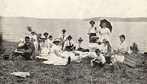 Picnic group at Wangi, Lake Macquarie, NSW, Australia [c.1920's] | Flickr - Photo Sharing!