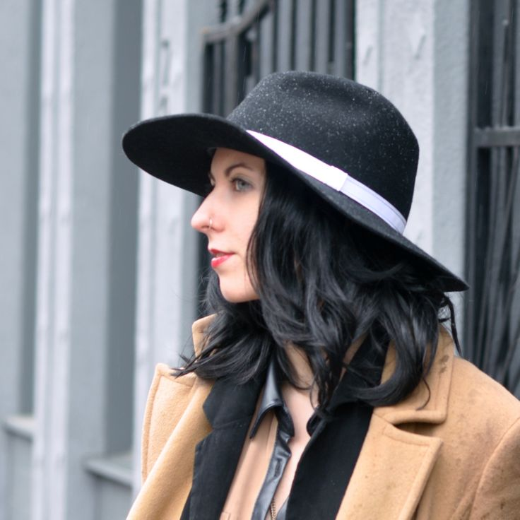 http://www.milliness.com/product/lauren-raw-edge-fedora   Custom Floppy Black Fedora